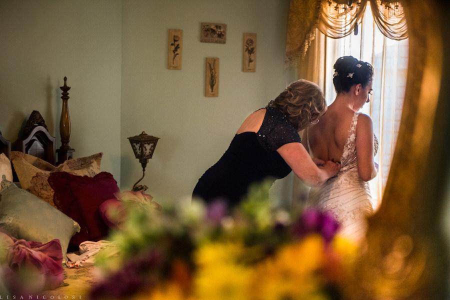 Planting Fields Wedding Photographer - Creative Long Island Wedding Photography - Bride getting ready