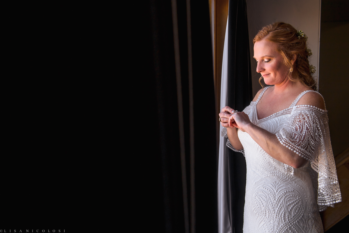 Bride getting ready at Montauk Yacht Club