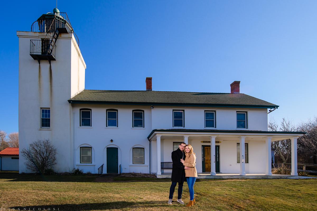 Couple embracing at the Horton Lighthouse Nautical Museum